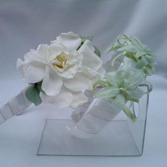 tiaras-daminhas-em-verde-de-flores-naturais-preservadas-cor-unica