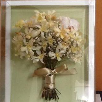 bouquet-orquideas-phalaenopsys-dendrobium-e-mosquitinhos-buque-desidratado-cor-unica