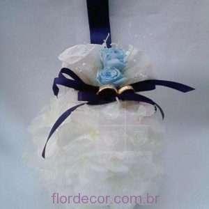 flor+de+cor+buque-para-daminha-com-aliancas-bouquet+bouquet-europeu