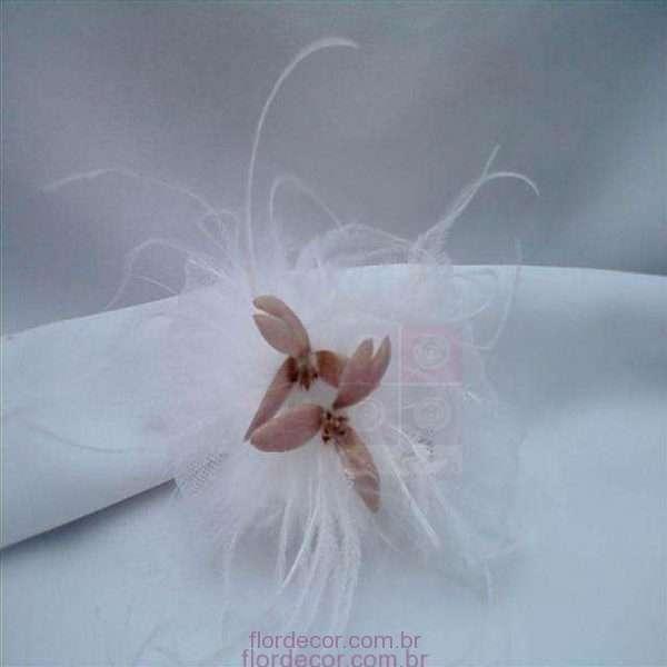 flor+de+cor+flor+de+cabelo+rosa+seco+no+tule+e+plumas+