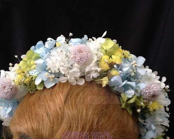 flor+de+cor+tiara-arquinho-multicolorido-de-flores-naturais-preservadas+arquinho-multicolorido-para-daminha