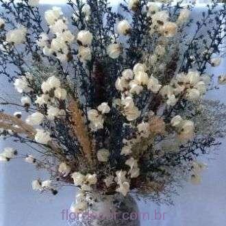arranjo-de-flores-desidratadas-azuis-e-brancas+blue