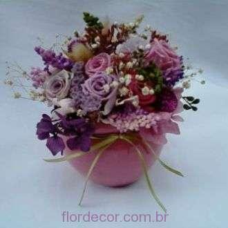arranjo-de-flores-naturais-preservadas-em-rosa-e-lilas+cherry-blossom