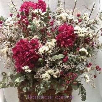 arranjo-flores-e-folhagens-desidratadas+-cor-unica