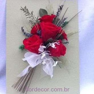 arranjo-rosas-vermelhas-no-quadro+red