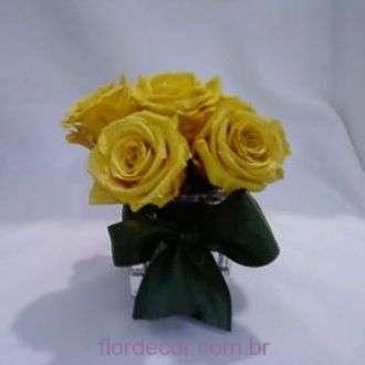 arranjo-rosinhas-amarelas-preservadas+golden-yellow