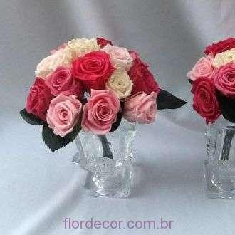 arranjos-tons-de-rosa-de-flores-naturais-preservadas+-cor-unica
