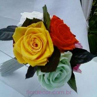 bouquet-6-rosas-premium-preservadas-multicolorido-buque+-cor-unica