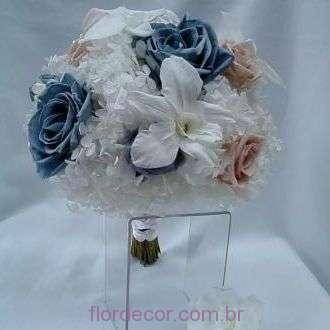 bouquet-flores-naturais-preservadas-branco-azul-e-nude-buque+-cor-unica