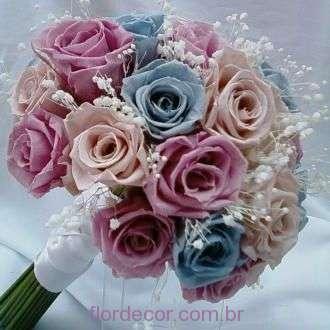 bouquet-rosas-nude-rose-e-icey-blue-naturais-preservadas-buque+-cor-unica
