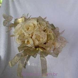 bouquet+branco+e+dourado++cor+unica
