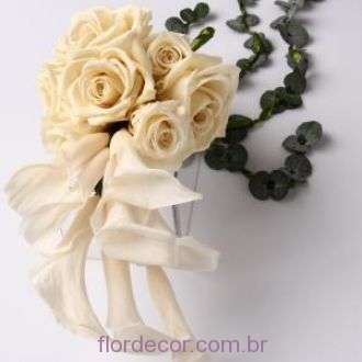 bouquet+by+elisama+pendente+rosas+e+minicallas++cor+unica