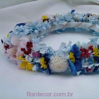 guirlanda-hortensias-azuis-claras-com-flores-naturais-preservadas-e-desidratadas-coroa+light-blue