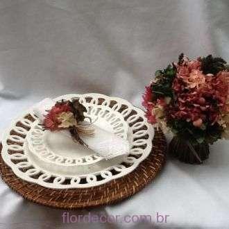 porta-guardanapos-e-feixe-de-decoracao-de-hortensias-desidratadas+-cor-unica