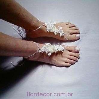 sandalia-de-flores-para-casamento-pe-na-areia+-cor-unica
