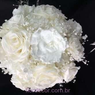 buquê flores preservadas brancas