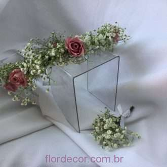 guirlanda rosas preservadas e mosquitinho fresco