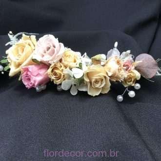arranjo flores cabelo com pérolas