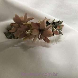 flores preservadas no pente