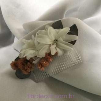 flores preservadas nardos e detalhes em nude